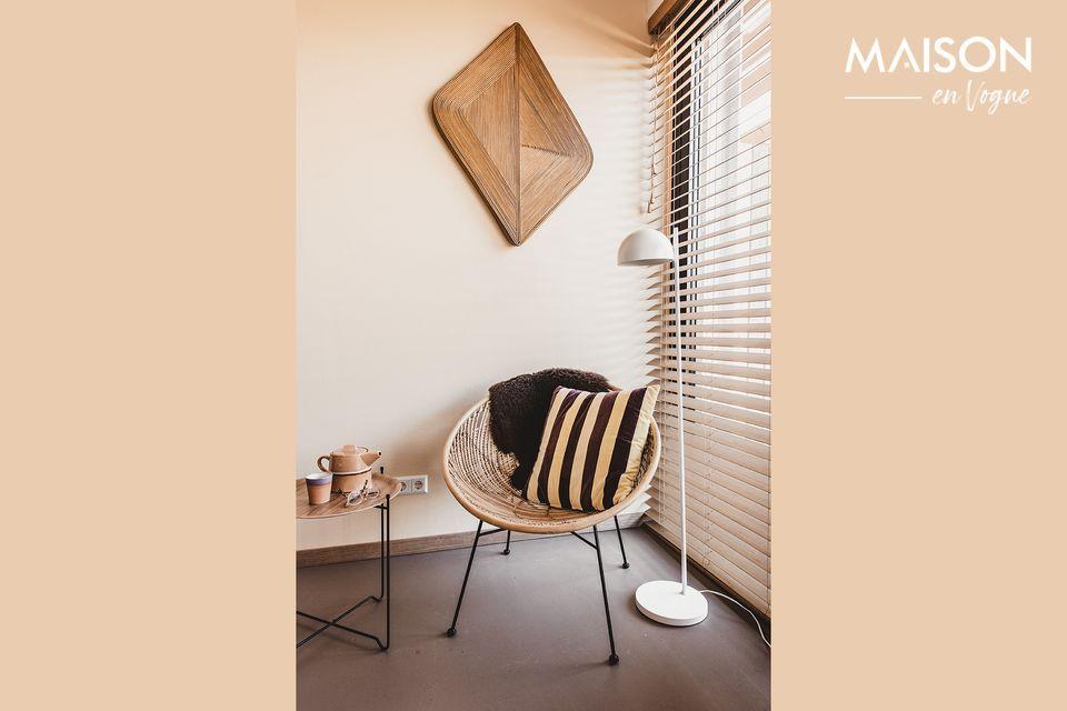 Een kleine, praktische en elegante tafel