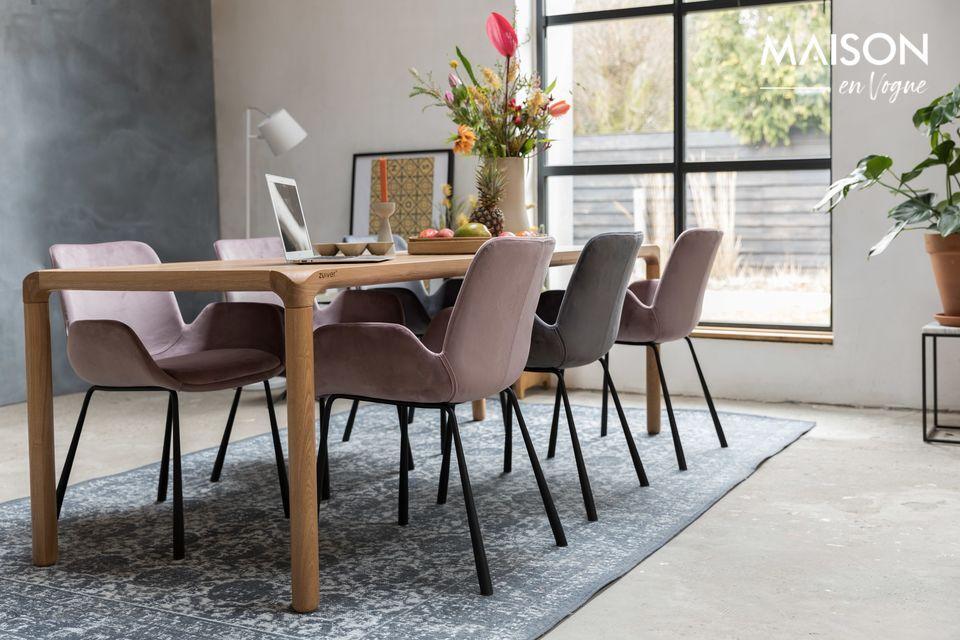 Een ultra comfortabele stoel, en mooi in chique donkergrijs fluweel