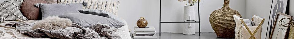 Benadrukte materialen Decoratieve Alban terracotta vaas