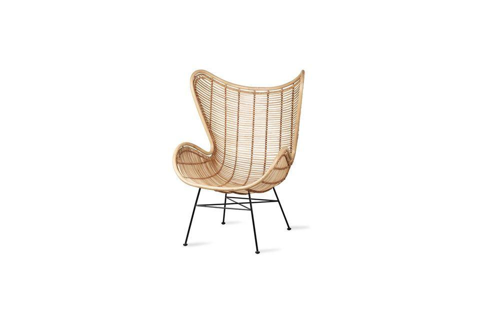 Perfect stabiel op het zwart gelakte metalen onderstel biedt deze Egg Chair in natuurgetrouw rotan