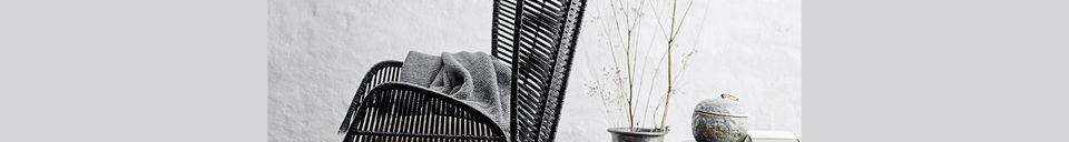 Benadrukte materialen Erika zwarte loungestoel in rotan