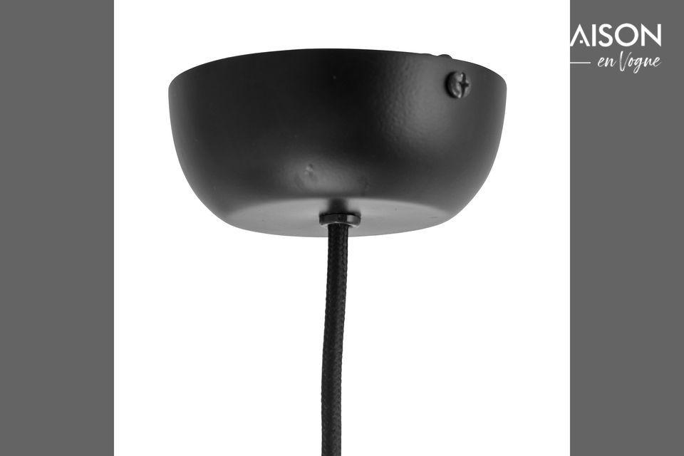 Deze hanglamp brengt een beetje kleur in uw woonkamer, hal of eetkamer
