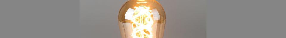 Benadrukte materialen Goudlamp