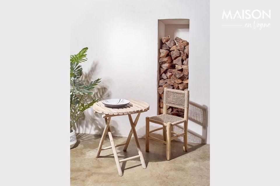 Ronde tafel in natuurlijk hout