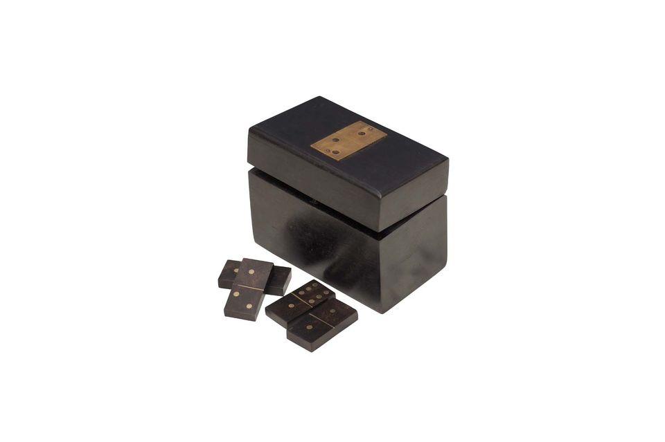 Met zijn sobere en zuivere houten ontwerp is de Bouhey-dominobox een traditioneel decoratief