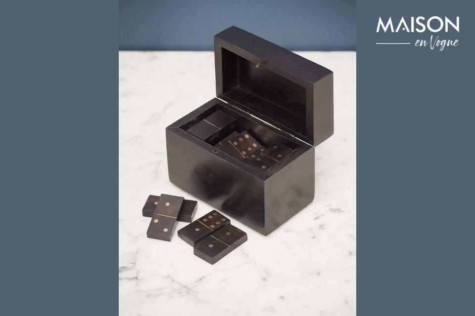 Een elegante dominobox met authentieke stijl