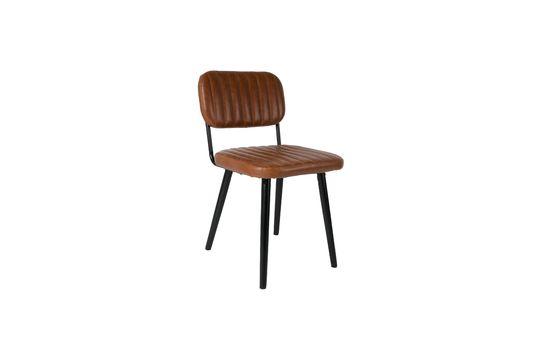 Jake droeg een bruine stoel