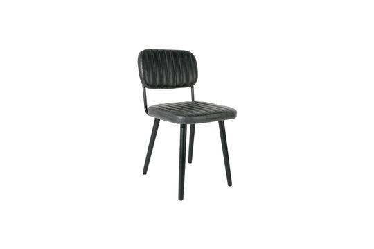 Jake droeg een zwarte stoel