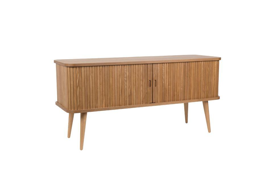 De Zuiver houten buffetkast is volledig gemaakt van essenhout gefineerd MDF en is een moderne