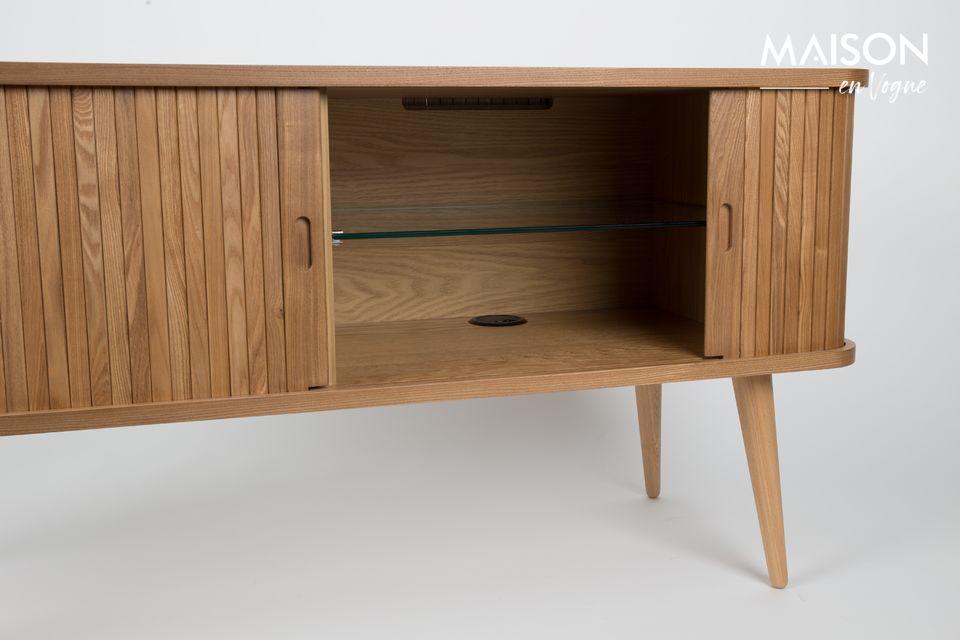 Het biedt plaats aan uw mooie serviesgoed of uw stereo-installatie op de twee verstelbare glazen