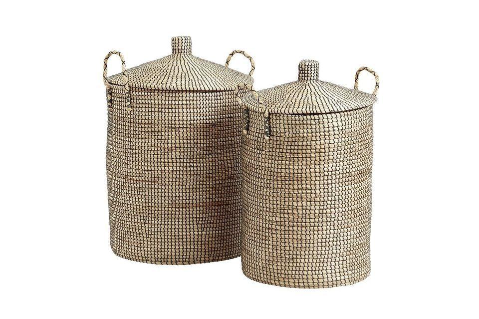 Deze twee prachtige manden in natuurlijke gevlochten zeeslag zijn met de hand gemaakt