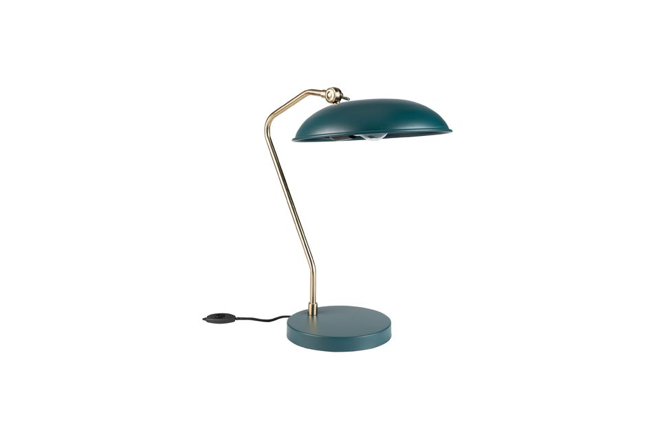 Maar het essentiële is elders: Liam is een solide bureaulamp het is allemaal metaal