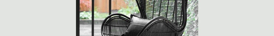 Benadrukte materialen Lizos Zwarte Rotan Stoel