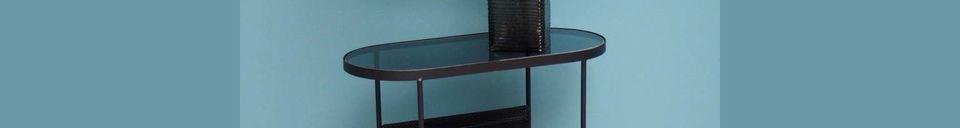 Benadrukte materialen Ovale tafel met tijdschriftenhouder Zoza