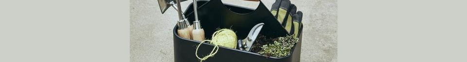Benadrukte materialen Reinigingskorf voor strijkijzers Schoon