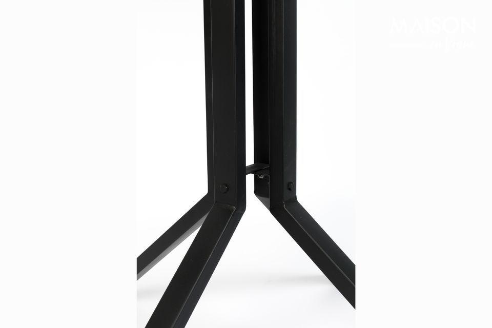 Veelzijdig, deze bartafel kan ook gebruikt worden als bijzettafel of als uiteinde van de bank