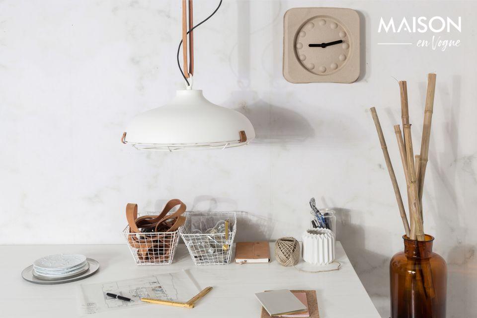 Dit strakke, Scandinavische ontwerp is perfect voor een keuken, eetkamer of slaapkamer