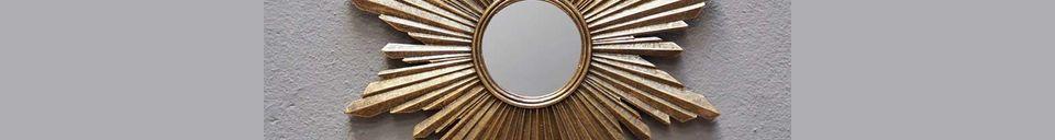 Benadrukte materialen Segrois zonnespiegel in gouden hars