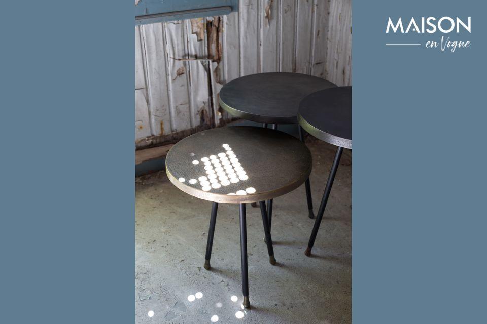 Deze door Dutchbone voorgestelde nesttafels kunnen samen of alleen worden gebruikt als stukken bank