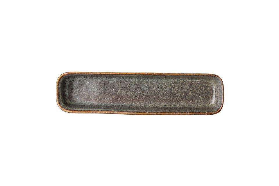 De Aime serveerschotel is met de hand gemaakt in steengoed om u een uniek stuk te bieden