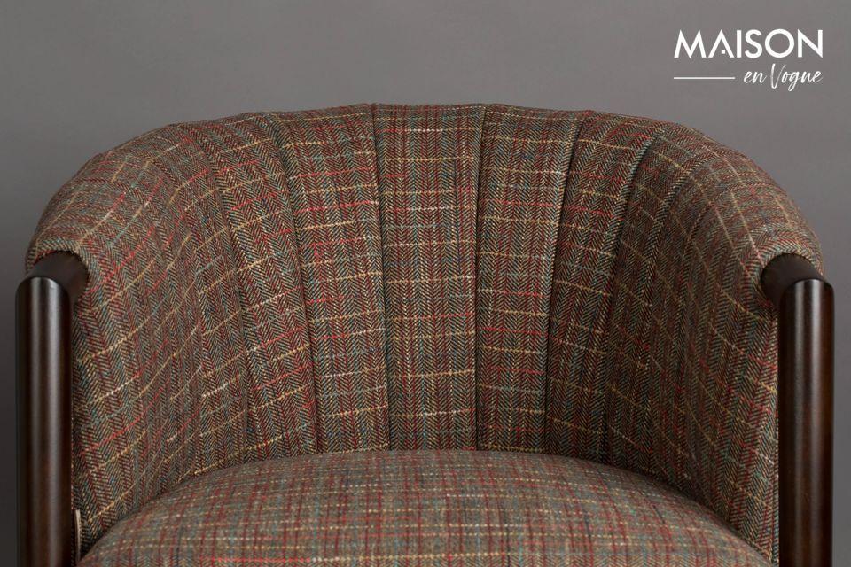 Door te kiezen voor deze revisited classic brengt u in uw woonkamer een comfortabele fauteuil met