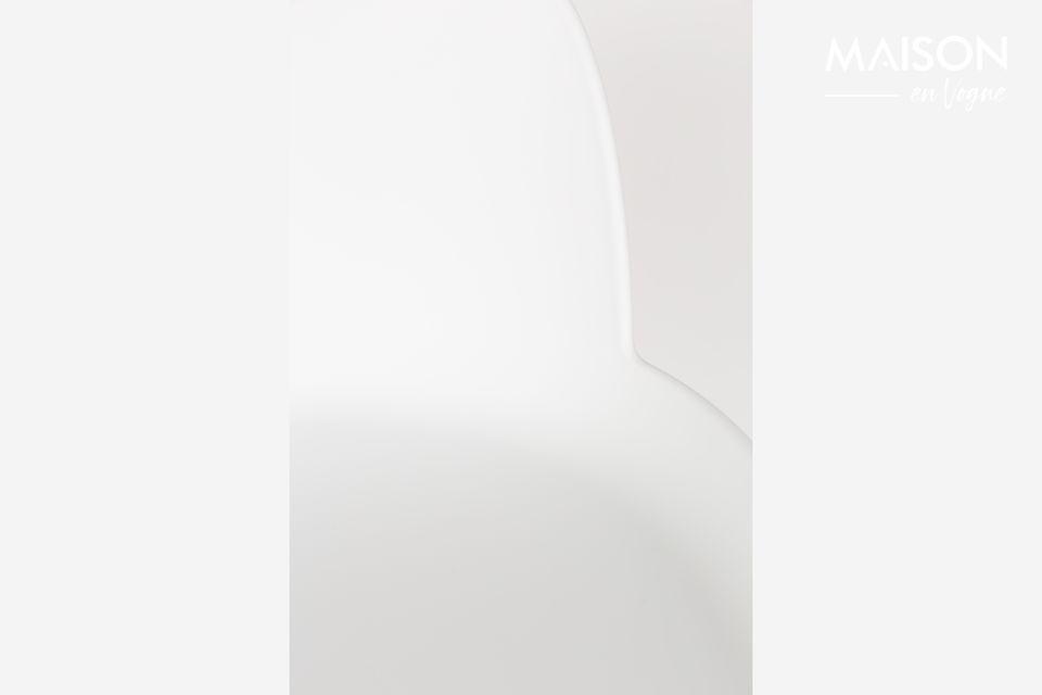 een barkruk twee materialen voor een Scandinavische look