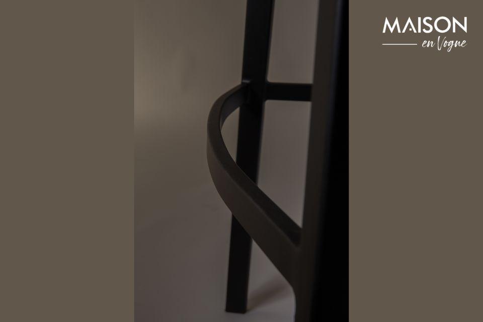 Maak uw uitrusting compleet met dit verfijnde meubelstuk