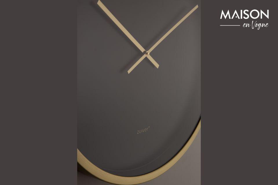 Een grote klok met een modern ontwerp