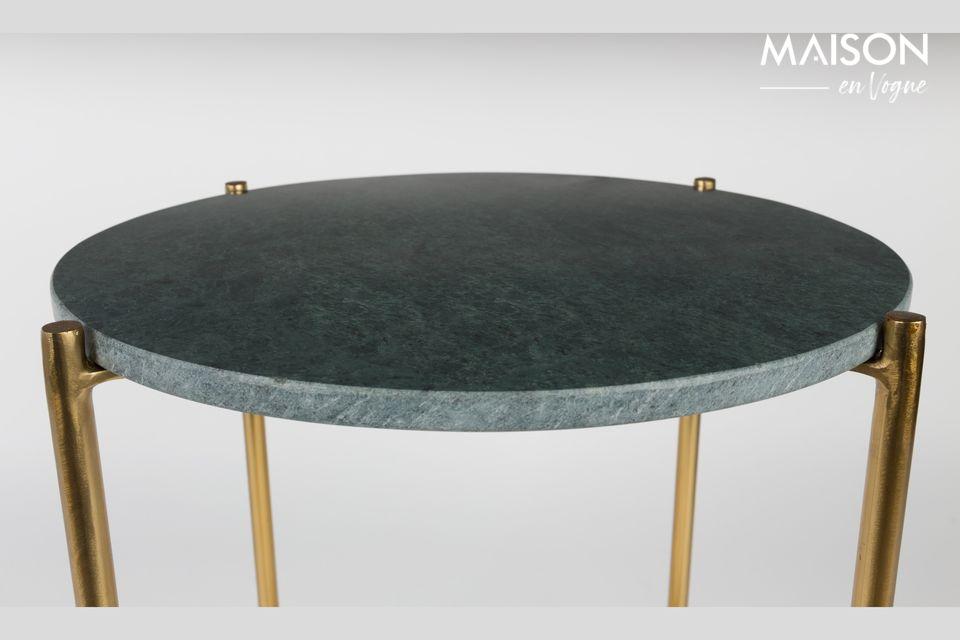 De adel en de elegantie van een kleine marmeren tafel