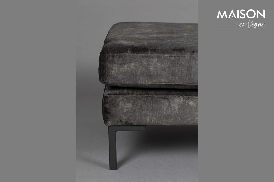 Door de zachte en comfortabele zithouding is dit model een must-have in uw woonkamer of slaapkamer