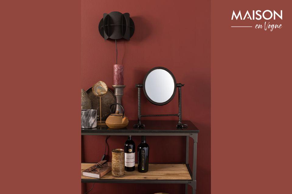 De zwarte Falcon spiegel rust op twee krachtige scherpe klauwen die u in de kamer van uw keuze kunt